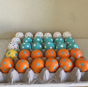 30 large Easter eggs! All filled with confetti 🎊 for Sale in Huntington Park, CA
