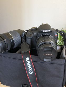 SCORE: Canon Rebel T5 Camera, Comes With Everything You'll Need! for Sale in Felton,  CA