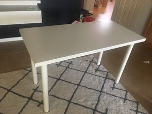White Office Desk for Sale in Stevenson Ranch, CA