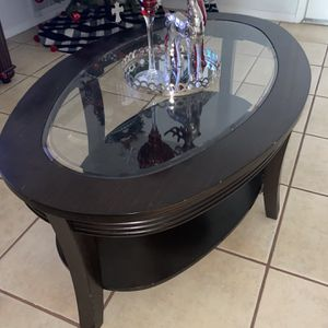 Free Coffee Table for Sale in Fontana, CA