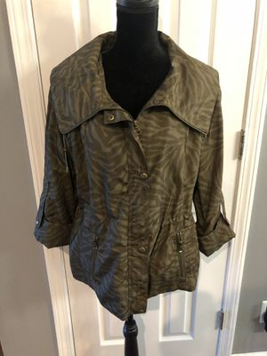 Women's XL Guess Raincoat Jacket for Sale in Hazelwood, MO
