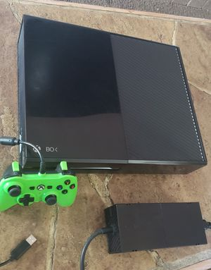 Xbox One (Sometimes doesn t read discs, everything else is working great)♟ for Sale in Phoenix, AZ