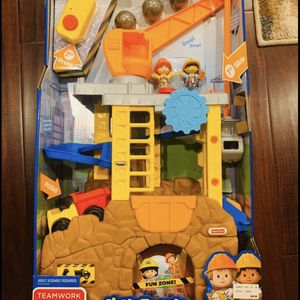Toys: New in Box Huge Fisher-Price Little People Construction Site. Hours of fun for kids. Birthday Christmas Gift for Sale in Allen, TX