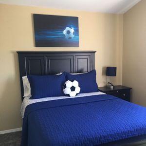 Queen Bed And Dresser for Sale in Silverado, CA