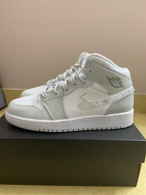 Air Jordan 1 Mid Grey Camo SE GS New Size 5Y for Sale in Aspen Hill, MD