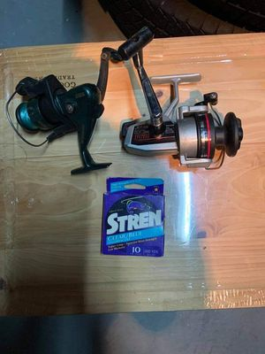 LOT 3 PIECES ~ 2 FISHING REELS ~ 1 STREN CLEAR BLUE FISHING LINE for Sale in Rochester, NY