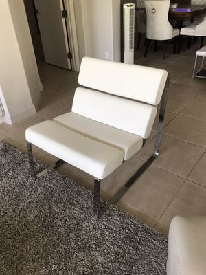 Chrome white lounge chair for Sale in Rancho Mirage, CA