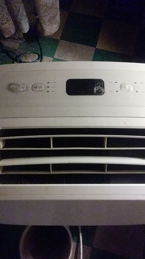 LG portable window air conditioner for Sale in Washington, DC