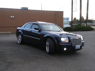 Midnight Crysler 300 Runs Drives No Issues Fully Loaded for Sale in Federal Way,  WA