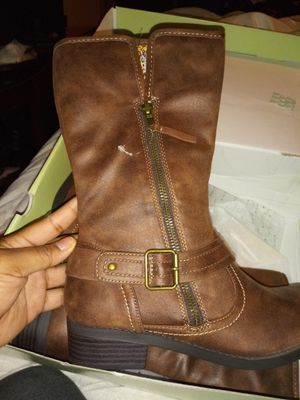 Girl boots size 5 for Sale in Grand Rapids, MI