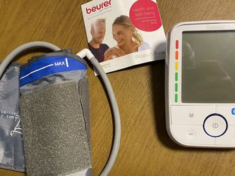 Blood Pressure Monitor By Neuter for Sale in West Linn,  OR
