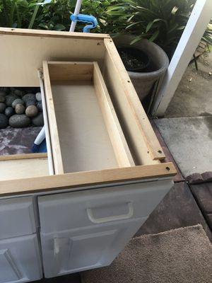 Kitchen Cabinet(Undermount Sink) for Sale in Oakland, CA