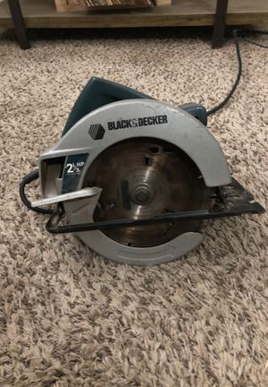 """Black and decker Circular saw - 2 1/3 HP ; 7 1/4"""" diameter blade for Sale in Fresno, CA"""