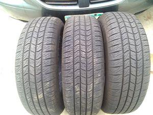 225/65/17 - FullSet (4tires) of PRIMEWELL Valera tires. LIKE-NEW!! for Sale in Robbinsdale, MN
