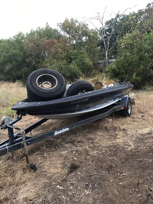 Bass boat and trailer for Sale in Canyon Lake, TX