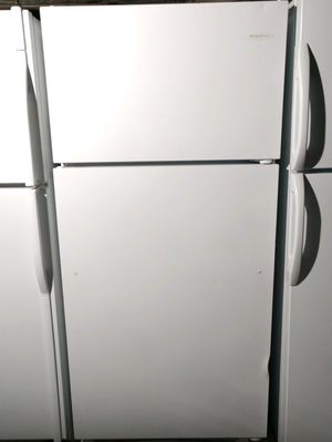 """FRIGIDAIRE"" FRIDGE TOP BOTTOM IN VERY GOOD CONDITION for Sale in Phoenix, AZ"