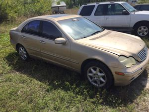 2001 Mercedes Benz C240 W203 for parts for Sale in Clearwater, FL