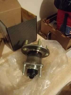 Chevy Colbalt 2007 wheel hub bearing for Sale in Chicago, IL