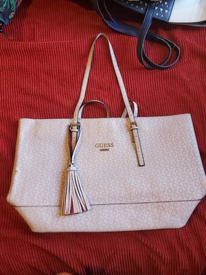 GUESS TOTE BAG AND BRACELET for Sale in El Mirage, AZ