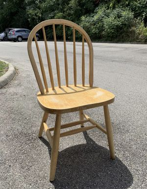 Wooden chair for Sale in Columbus, OH