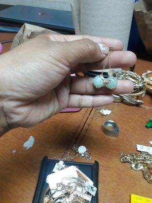 Earing 14k gold and jade for Sale in Phoenix, AZ