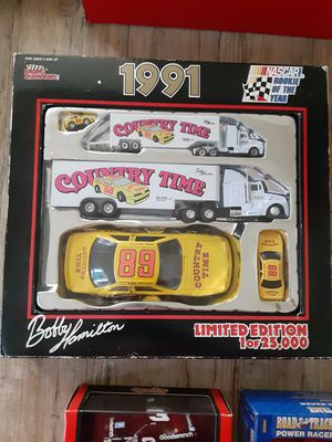 1991 bobby hamilton limited edition racing set for Sale in Grafton, OH