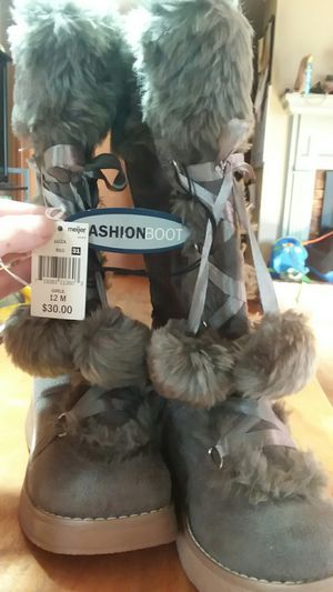 Girl's fashion boots for Sale in Knoxville, TN