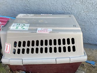 Medium/Large Dog Kennel for Sale in Palmdale,  CA