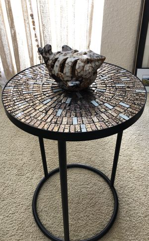 Decorative table for Sale in Palm Harbor, FL