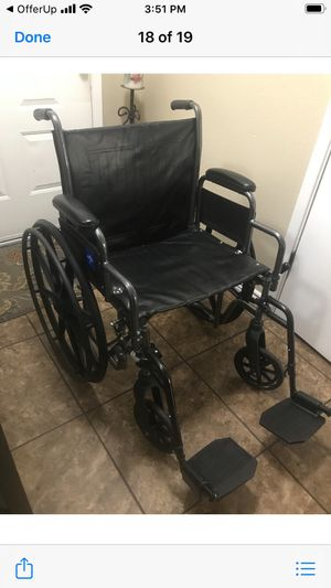 20 inch wheelchair holds up to 300 lbs in excellent condition for Sale in Phoenix, AZ
