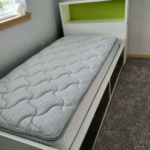 Bed,color white,size twin for Sale in Everett, WA