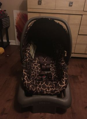 Baby car seat with base for Sale in Bryan, TX