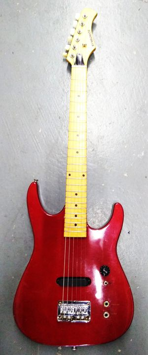 Synsonics Electric Guitar with Built-in Amp and Speaker for Sale in Harbor City, CA