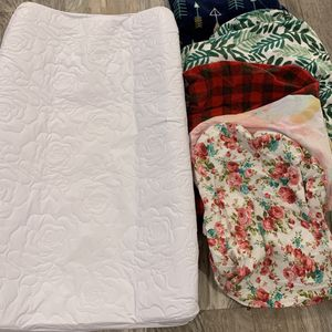diaper changing pad + 5 covers for Sale in Bothell, WA