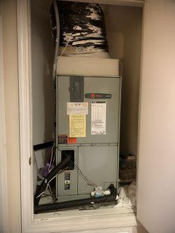 Trane AC. 2 1/2 Ton R22 Heat Pump Inside & Out. for Sale in Azalea Park,  FL