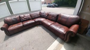 """LG. 105""""x 105"""" Brown leather sectional couch for Sale in GRANDVIEW, OH"""