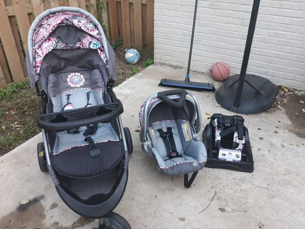 Baby Trend Travel System with car seat base