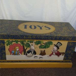 Alice In Wonderland Toy Chest for Sale in Alameda, CA