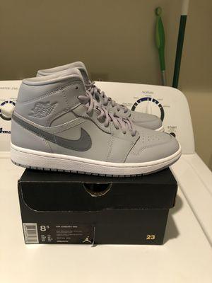 Air Jordan 1 Mid Men's Size 8.5 Wolf Grey/Cool Grey 554724 033 for Sale in Spokane Valley, WA