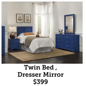 Twin Bed , Dresser , Mirror $399 for Sale in Dallas, TX