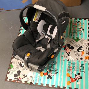 Car seat Stroller Combo Selling Together for Sale in Delaware, OH
