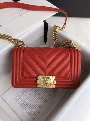 Chanel le boy chevron bag red 20cm for Sale in New York, NY