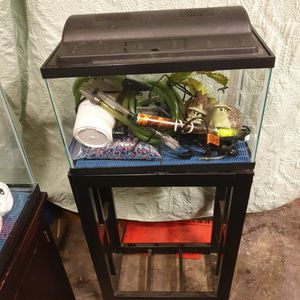 Fish Tank 10gal for Sale in Woodburn, OR