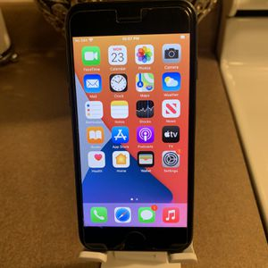iPhone 7 Unlocked 32gb for Sale in Brooklyn Park, MN