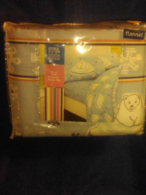 Restore and restyle kids full size flannel polar bear sheet set for Sale in Glendale, AZ