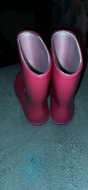 Pink little girl rain boots for Sale in Jacksonville, AR