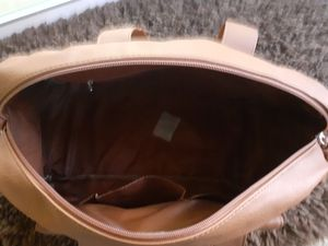 WOMEN'S SOFT LEATHER TOTE BAG for Sale in Vancouver, WA