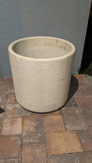 Large flower pot ( price firm ) for Sale in Orlando, FL