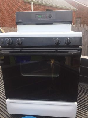 Gas stove for Sale in Windsor, ON