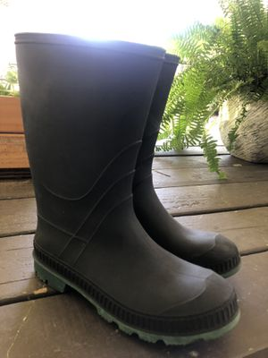 Raining Boots - Size 7 for Sale in Riverside, CA